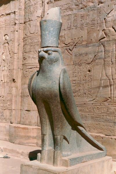 Horusbeeld in Edfu, Egypte